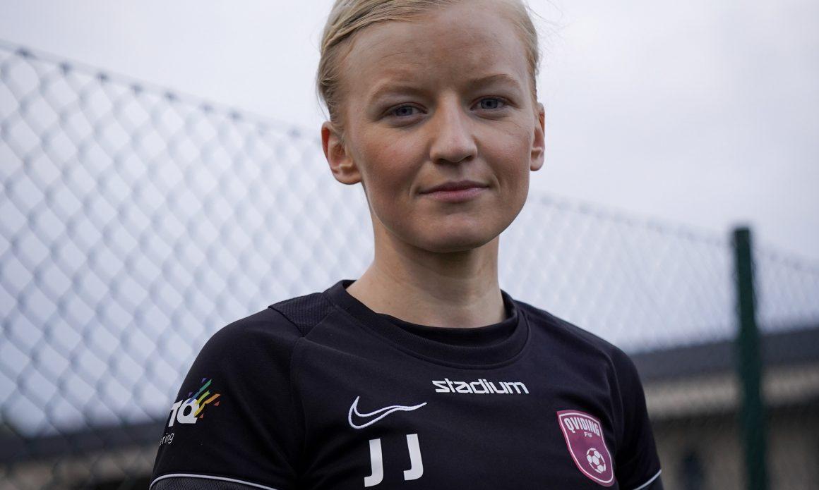 Att inte få spela matcher med Josefine Jakobson